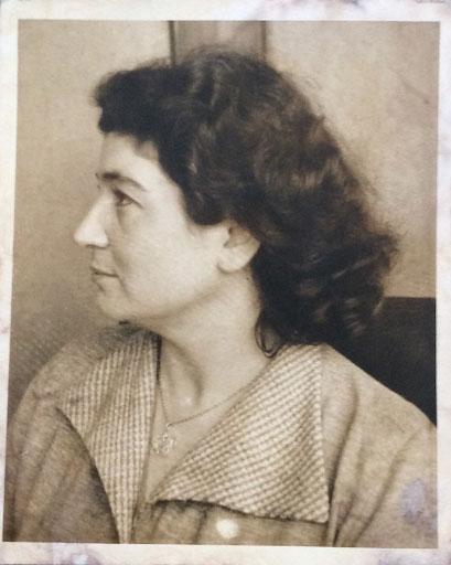 Anna Molka Ahmed
